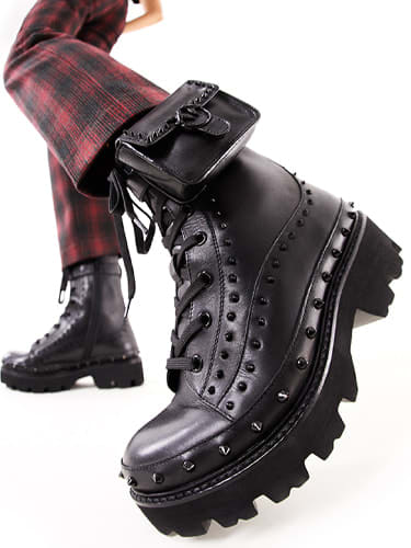FALL FOR BOOTS